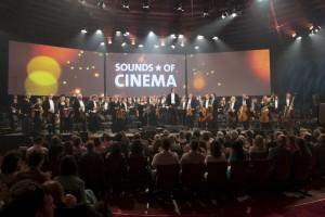 """Dirigent Ulf Schirmer mit dem MŸnchner Rundfunkorchester bei """"Sounds of Cinema 2012"""". Honorarfrei - nur für diese Sendung bei Nennung ZDF und BR, Ralf Wilschewski"""